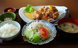鶏肉の唐揚げ定食